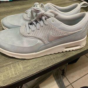 Nike air max's Thea silver blue sz 10